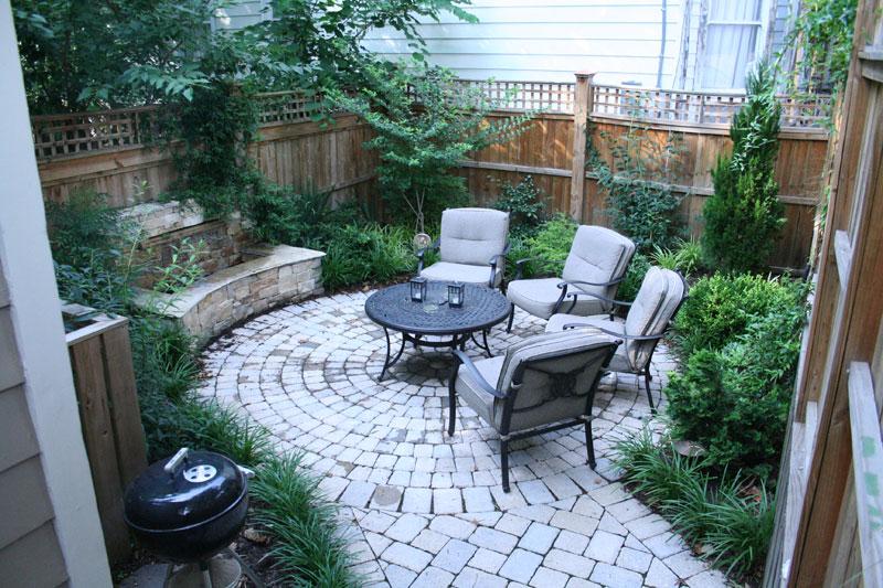 Mode landscaping intimate city garden for Tiny garden ideas patio townhouse